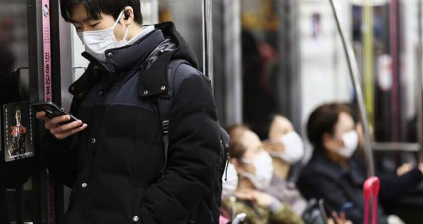 日男發病擠滿員電車上下班 台日網友狂刷:京葉線迪士尼遊客慘了