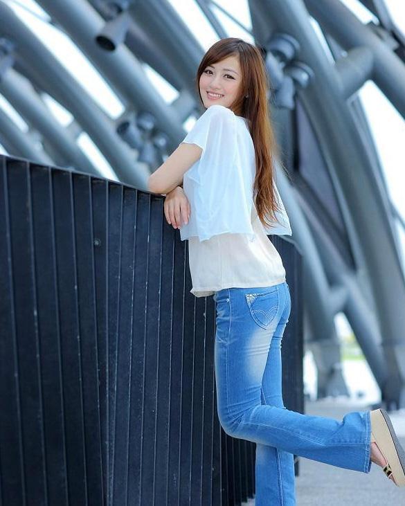 紧身裤展现优雅的腰身,这样穿就是有魅力 - erica00