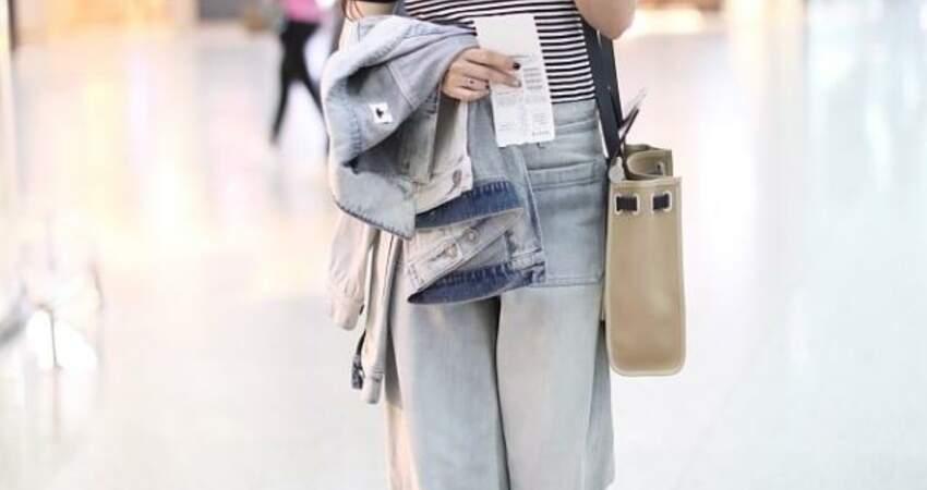楊鈺瑩半百年紀還是那麼甜,穿衣樸素卻不顯老,嫩的跟小女孩一樣