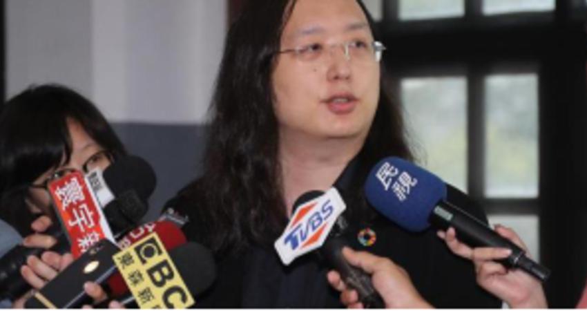 胞弟被控強吻女童 唐鳳首回應:弟弟會配合調查