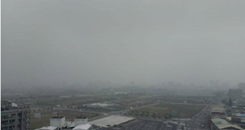 霧霾壟罩中南部…高樓消失 台中人虧:來花博用肺過濾