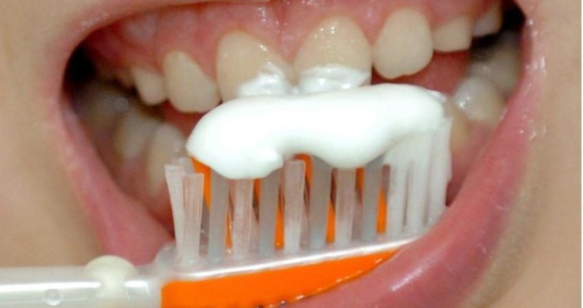植牙後不潔牙 拔掉12顆損失百萬