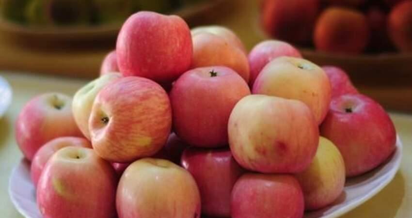 宅在家裡經常熬夜,皮膚暗沉、黑色素沉積怎麼辦?教你吃幾種水果