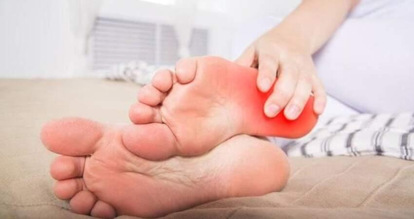 一走路往往腳後跟疼?4個原因,排在最後建議去醫院檢查