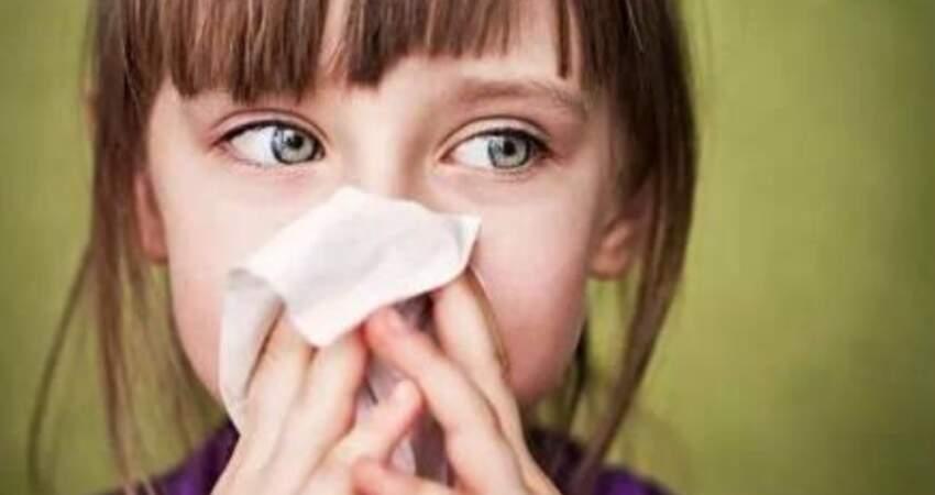 初春換季,咳嗽、流鼻涕也可能是過敏,少吃這幾種食物來預防