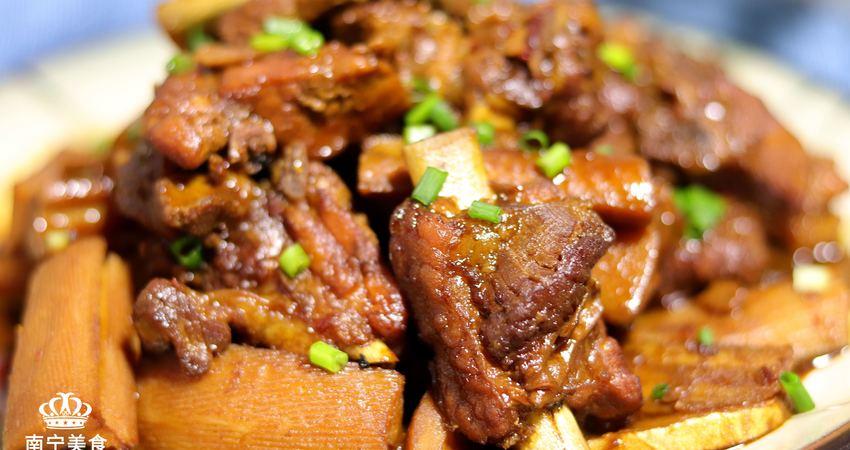 教你在家用電飯鍋做好吃的醬香排骨,做法簡單又營養,出鍋就搶光