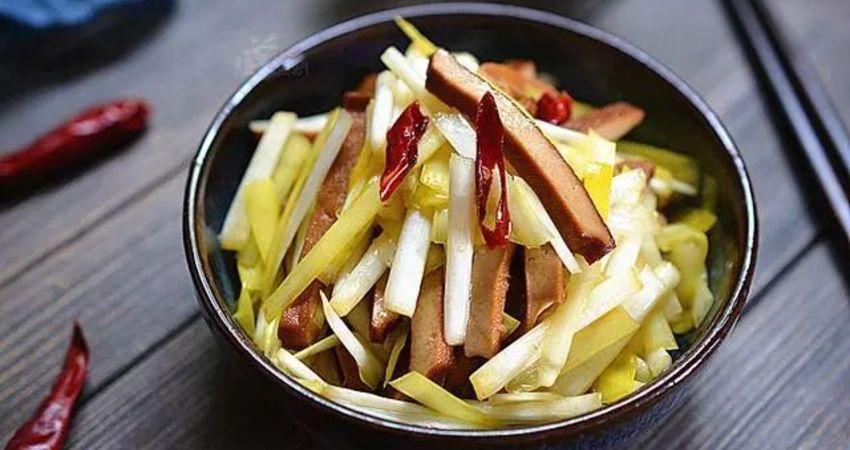 韭黃和香乾一起炒,開胃又下飯,做法很簡單一看就學會