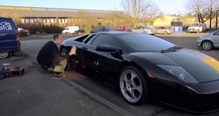 洗一次車要價24萬 富豪爭相給他洗