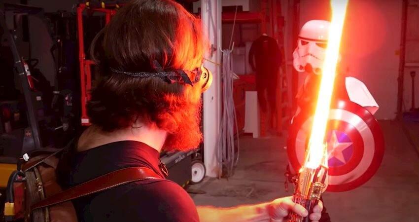 技術宅終於打造出了可自由伸縮的《星際大戰》光劍