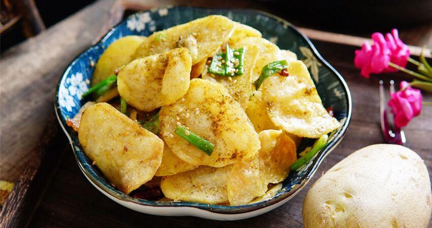 土豆最好吃的做法,教你一招,外酥裡嫩,比薯條香多了!