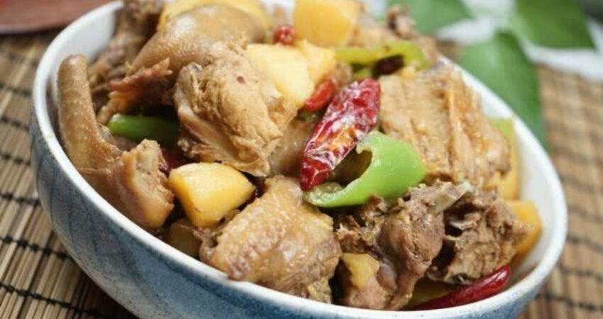 新疆大盤雞,調味料這樣配,土豆糯香雞肉嫩,好吃不膩