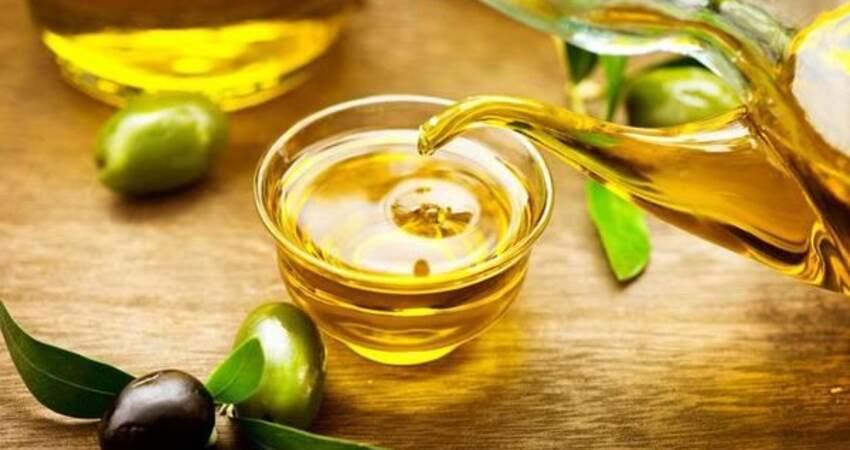 白開水放1勺油,連吃7天,降血脂清血管,血管通了高血脂有所緩解