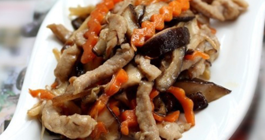 香菇炒肉這樣做,不糊鍋不粘鍋,柔軟嫩滑,美味過癮,簡單易學