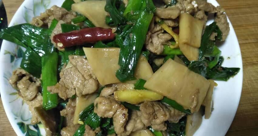 杏鮑菇炒肉時,多加「這一步」,炒出來香軟可口,很入味