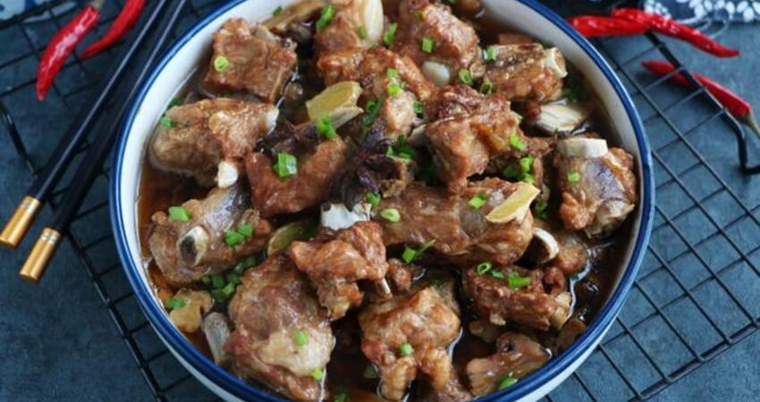 懶人排骨新吃法,不用炖不用電飯煲,又香又入味,出鍋饞到流口水