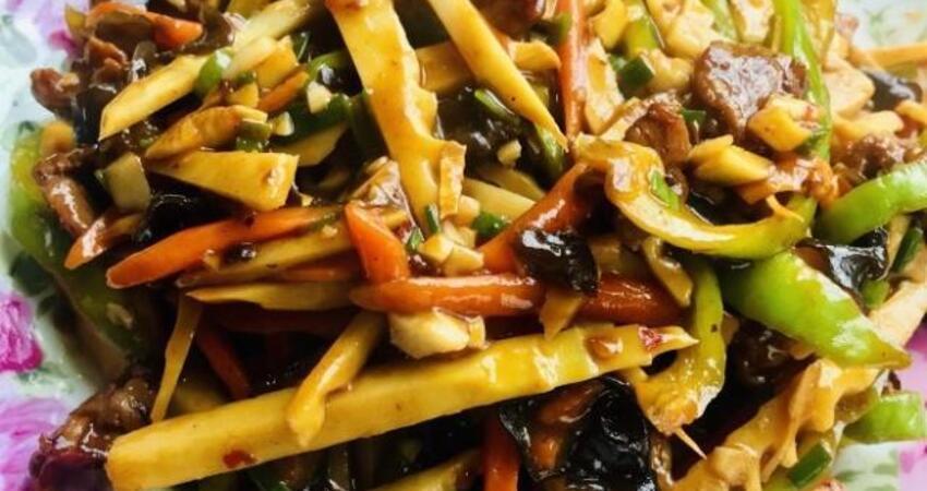 魚香肉絲家常做法,學會這一步,肉絲色澤鮮亮,三碗米飯不夠吃!