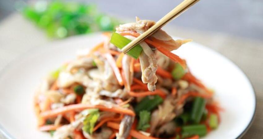 鮮蘑如此做,既不炒也不炸,開胃爽口又下飯,比大魚大肉還香