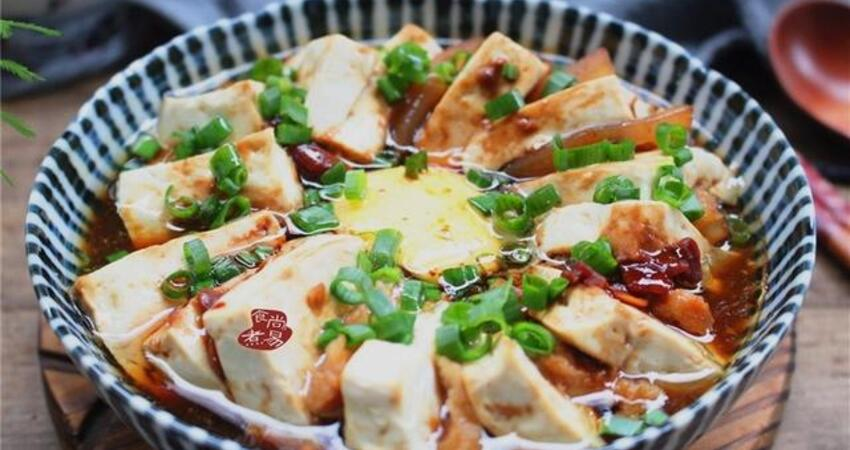 豆腐這樣蒸,口感嫩滑油潤,營養翻倍味道香,十分鐘就出鍋